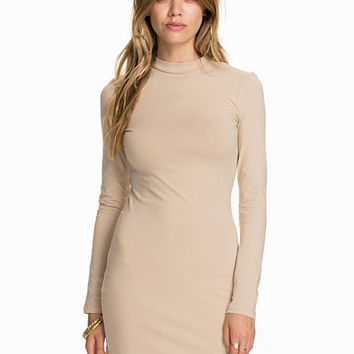 Off Duty Dress, NLY Trend
