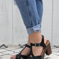 Ankle Strap Platform Sandals in Black