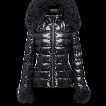 DCCKL8A Moncler Women's Hidden Hood Zip-Front Down Jacket