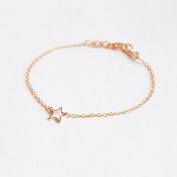Tiny gold star bracelet - open star thin chain simple dainty minimalist delicate modern everyday jewelry
