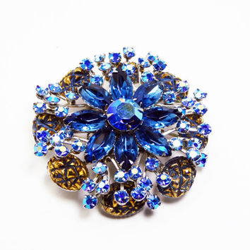 Royal Blue Rhinestone Flower Brooch - Round Pin - Rhinestones & Textured Oval - Silver Tone Setting - Vintage Mid Century 1950s Unsigned