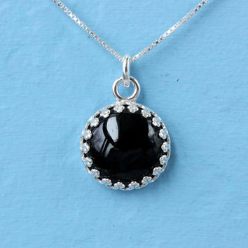 Black Onyx necklace 925 Sterling Silver crown setting and box chain, 12 mm gemstone, handmade silver necklace, vintage Gothic style