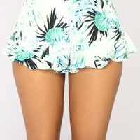 Roselyn High Rise Shorts - Green