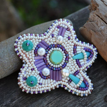 Beadwork Brooch Cream Starfish Bead Embroidered Pin Brooch Hand beaded Ocean themed gift Bead Embroidery Jewelry Beaded pin Gift for mermaid