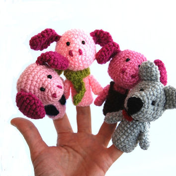 three little pigs, crocheted pigs and wolf, play fairy tale, child friendly waldorf minatures of a folk tale