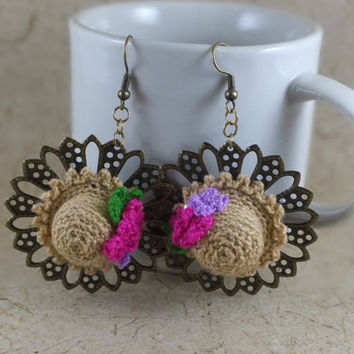Miniature Hats Crochet Dangle Earrings with Flowers and Leaves