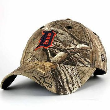 MLB Detroit Tigers Womens Realtree 9Twenty Adjustable Cap