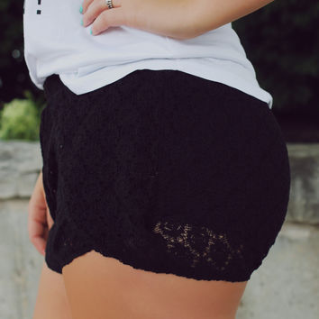 Be the Lookout Shorts - Black