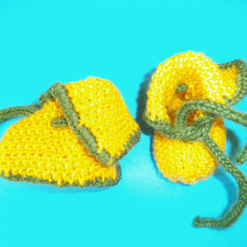 SALE Yellow handmade Baby booties.,Winter booties, Handmade baby booties, Unisex baby booties, Wool booties, Size XS (0-3 month)