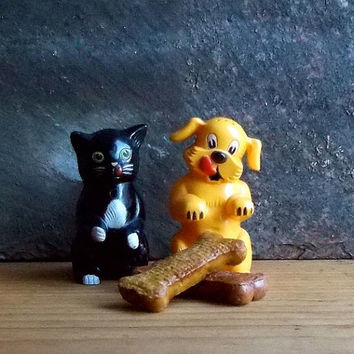 Vintage Ken - L Ration Salt and Pepper Shakers - Fifi and Fido Dog and Cat Advertising Memorabilia - Retro Kitchen Decor