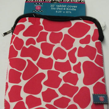 "10"" Stylish Hot Pink Leopard Neoprene Tablet/iPad Cover"