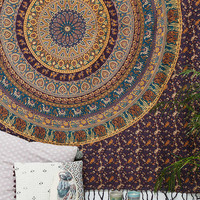 Manageri Medallion Tapestry - Urban Outfitters