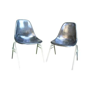 Pre-owned Grey Herman Miller Eames Shell Chairs - A Pair