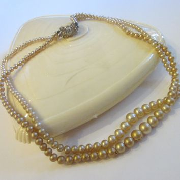Laguna Pearls Strands Patent Pending Lucite Box Makers Marks