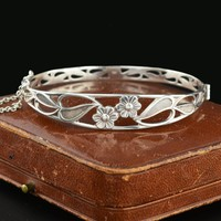 English Vintage 1900s Arts & Crafts Silver Bracelet