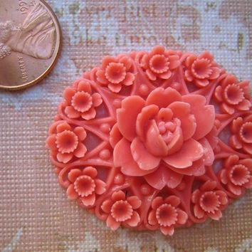 Vintage Huge rare celluloid coral pink red detailed plaque cab vintage Japan - almost 2 inches (1)