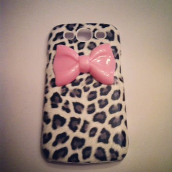 Samsung Galaxy S3 SIII Gray Leopard Cheetah w/ Girly Pink Bow  case