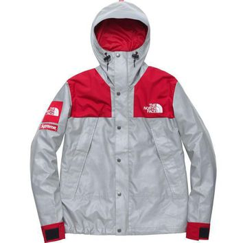 Supreme x The North Face 3m Jacket - Red