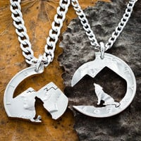 Howling Wolf Mountain necklace by Namecoins