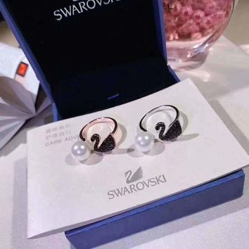 ONETOW SWAROVSKI  Delicate swan pearl opening ring, simple but precious