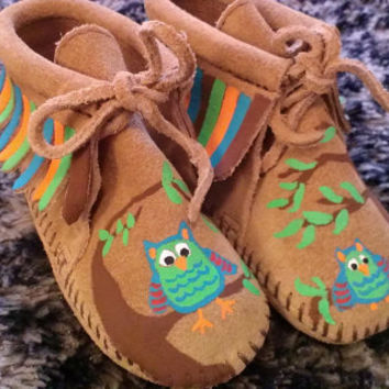 Custom Painted Owl Minnetonka Moccasins for Babies