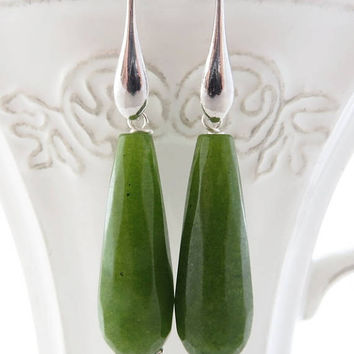 Green jade earrings, 925 sterling silver earrings, green lime earrings, drop earrings, dangle earrings, stone jewelry, wedding jewelry