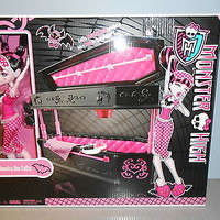 Monster High Draculaura Doll & Jewelry Box Coffin