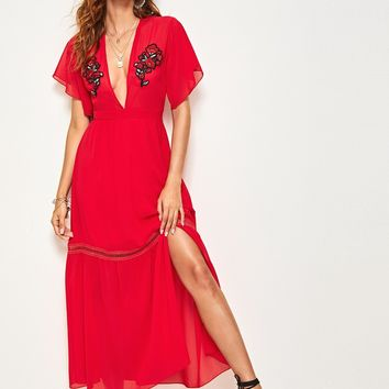 Applique Detail Split Hem Plunge Neck Dress
