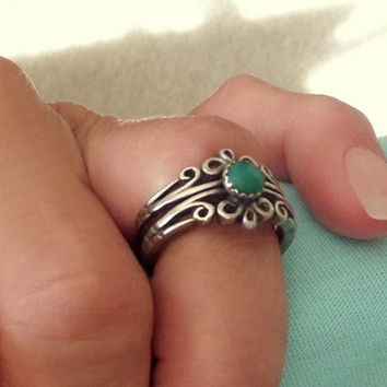 Vintage NATIVE American Green Turquoise RING. Scrollwork Handmade STERLING Band, Size 6, Navajo Jewelry Rings, Girlfriend Christmas Gift