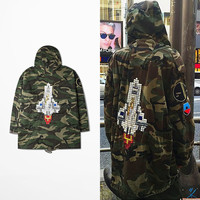2017 Winter Embroidery Rocket Jacket Camouflage Hooded Jacket Windbreaker Kanye west Jay-z Bieber Style streetwear Coat BF0534CJ