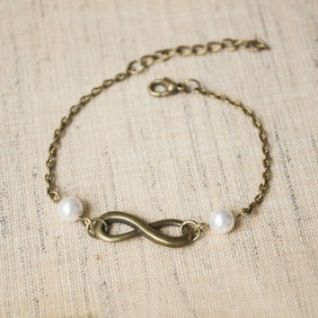 Infinity Bracelet. White Swarovski Pearl Bracelet. Antique Brass. Friendship, Bridesmaid Gift. Dainty, Feminine. Infinity and Pearl Jewelry