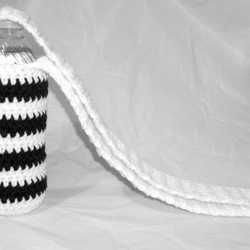 White and Black Striped Water Bottle Tote, Zebra Striped Water Bottle Carrier, Crochet Water Bottle Holder