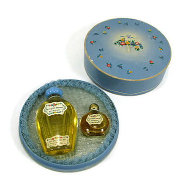 Vintage Houbigant Quelques Fleurs Perfume Bottle Unused Gift Set France