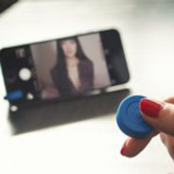 Snappy Selfie Remote | Firebox.com - Shop for the Unusual