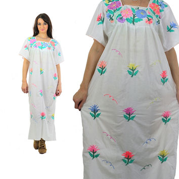 Mexican Embroidered Dress Oaxacan long Maxi short sleeve floral print cotton tunic Vintage 1970s Bohemian Large