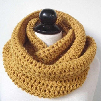 Crochet Scarf Chunky Infinity Scarf Circle cowl Neck warmer Gift for her Cowl scarf Chunky Knit Scarf Knitted Cowl Mens scarf Gift for him