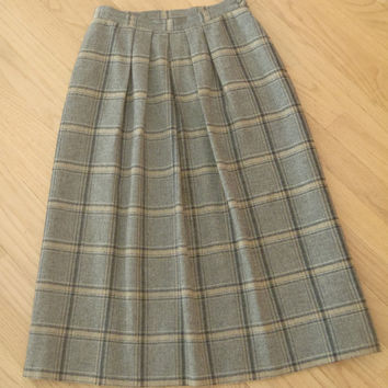 Wool Skirt by Pendleton / gray tan plaid Virgin Wool/ Vintage Clothing by Feisty Farmers Wife