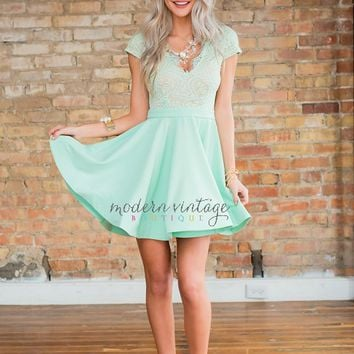 Angelic Admiration Dress Mint