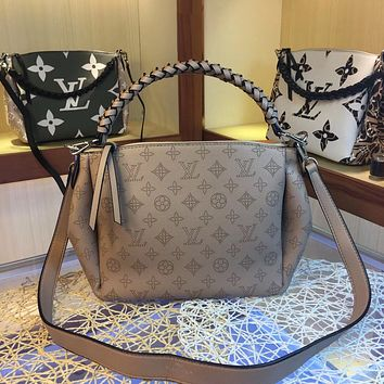 LV Louis Vuitton M53913 BABYLONE CHAIN ON THE GO Inspired Style Women Handbag Tote Shoulder Extremely Large 24.0 x 24.0 x 14.0 cm Bag Brown Monogram Plus Reverse Universal Color Organizer Onthego Bag made of Canvas