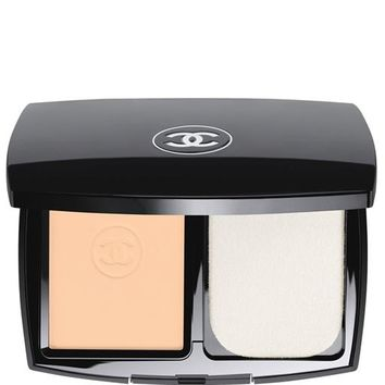 LE TEINT ULTRA TENUE ULTRAWEAR FLAWLESS COMPACT FOUNDATION BROAD SPECTRUM SPF 15 SUNSCREEN | Chanel