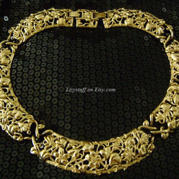 "Elegant MONET Goldtone Lovely Flowers Leaves Vines & Heart Open Work Lace Design Bib Wide Collar Cleopatra Style Necklace 17.5""L Weight 127g"