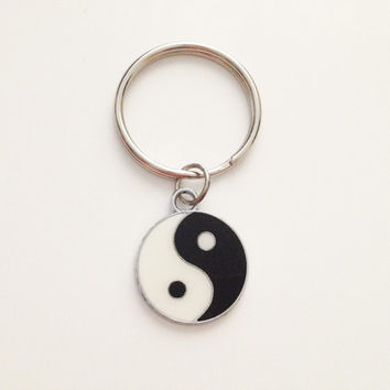 Yin Yang keychain  - silver keychain - simple keychain - best friend - gift