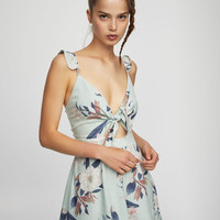 Short floral jumpsuit with knot detail - New - Woman - PULL&BEAR United Kingdom