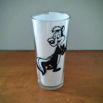 Vintage, Pepe Le Pew, Warner Brother, Pepsi collector series, drinking glass, tumbler, gifts, skunk, cartoon, 1970's, collectible, drinkware
