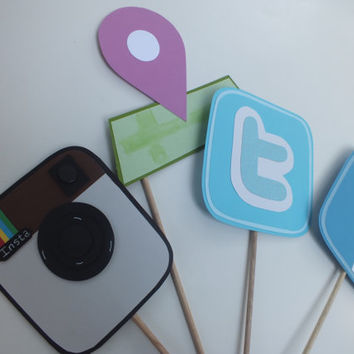 SOCIAL MEDIA photo booth props. Facebook check in status twitter and instagram