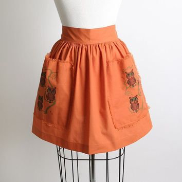 Adorable Vintage Tangerine & Brown Owl Print Apron by zwzzy