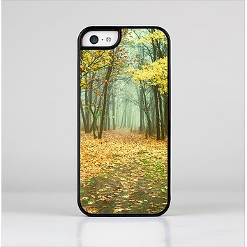 The Subtle Gold Autumn Forrest Skin-Sert Case for the Apple iPhone 5c