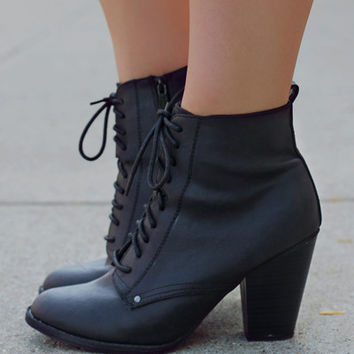 She's Got It Bootie - Black