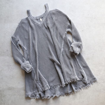 oversize thermal sweater with cold shoulder - grey