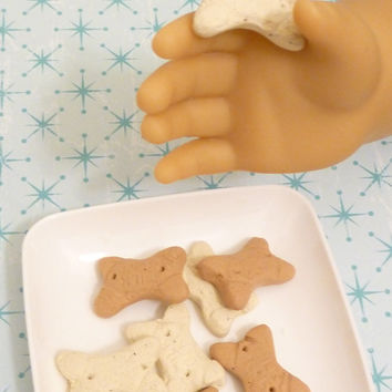 Miniature Dog Biscuit Treats for American Girl pet 1:3